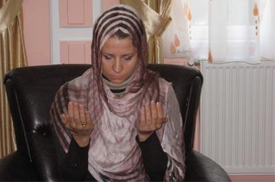 Rus Öğretmen Müslüman Oldu